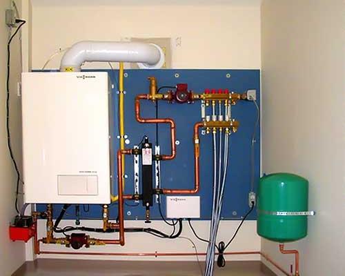 Монтаж настенного газового котла заключается в проведении нескольких этапов.