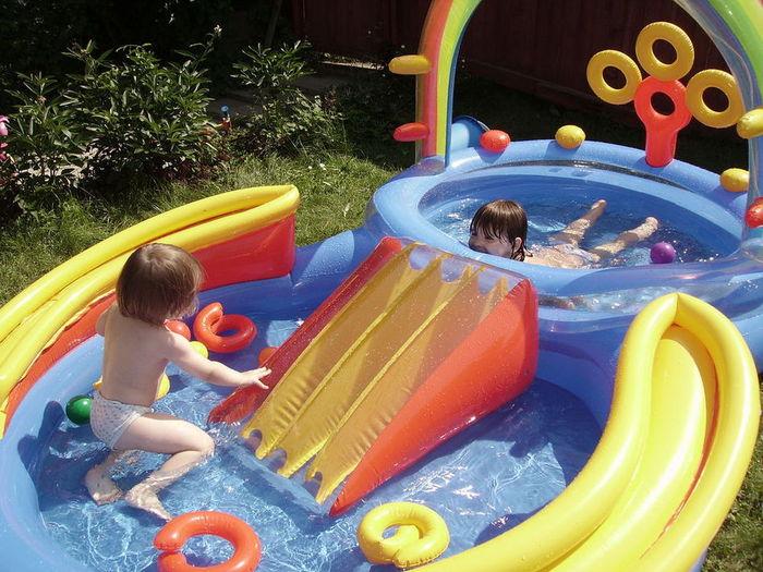 Детская площадка с бассейном своими руками 84