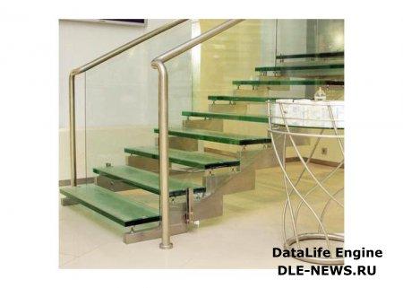 Применение стекла в дизайне лестничных конструкций