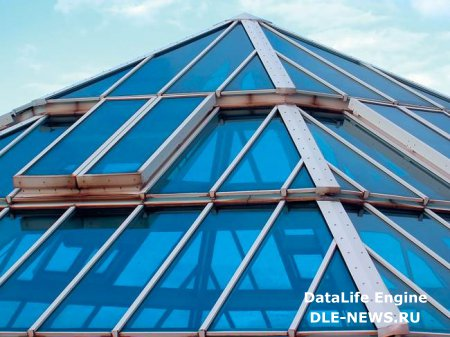 Новинка в технологии домостроения – прозрачная крыша
