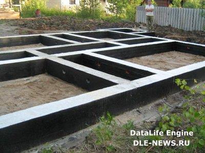 Почему бетон марки М400 редко используют в частном строительстве, и какой тип бетона подойдет для монолитного фундамента?