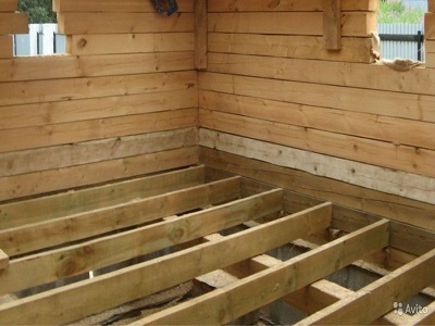 Укладка деревянного перекрытия в частном доме