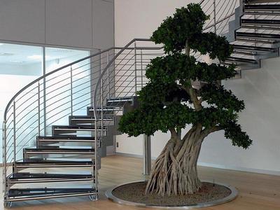 Лестничные ограждения из нержавеющей стали для современного делового интерьера