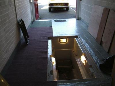 Как обустроить смотровую яму для автомобиля
