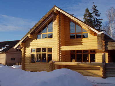 Особенности остекления деревянных домов