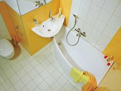 Как выбрать ванну для маленькой ванной комнаты?