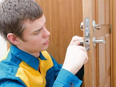 Преимущества профессиональной установки дверных замков