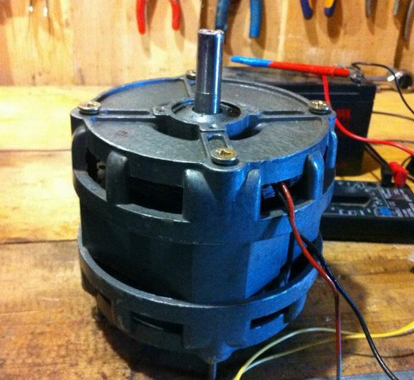 Старый асинхронный двигатель от стиральной машины