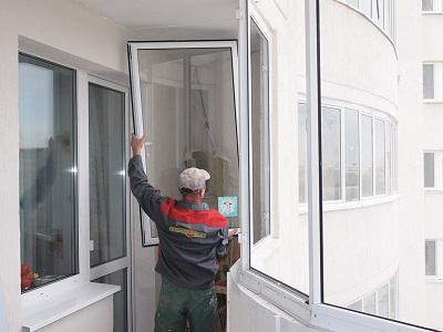 Как выбрать материал для остекления балкона?