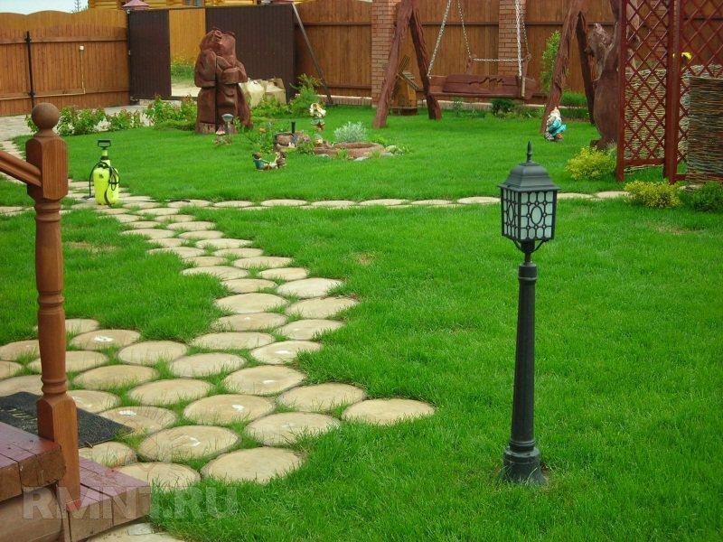 Из чего можно сделать дорожки в саду?