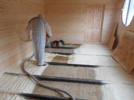Утепление деревянного пола на лагах: преимущества технологии