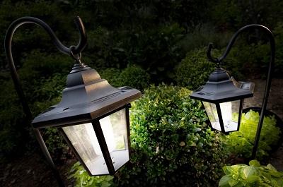 Подвесные светильники в ландшафте