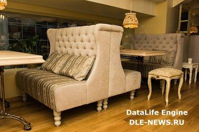 Виды диванов для кафе